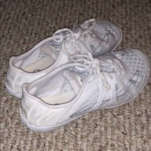 Infinity cheer shoes